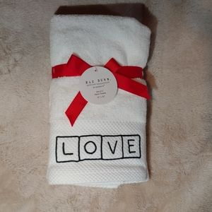 💓RAE DUNN VALENTINE'S DAY HAND TOWELS💓